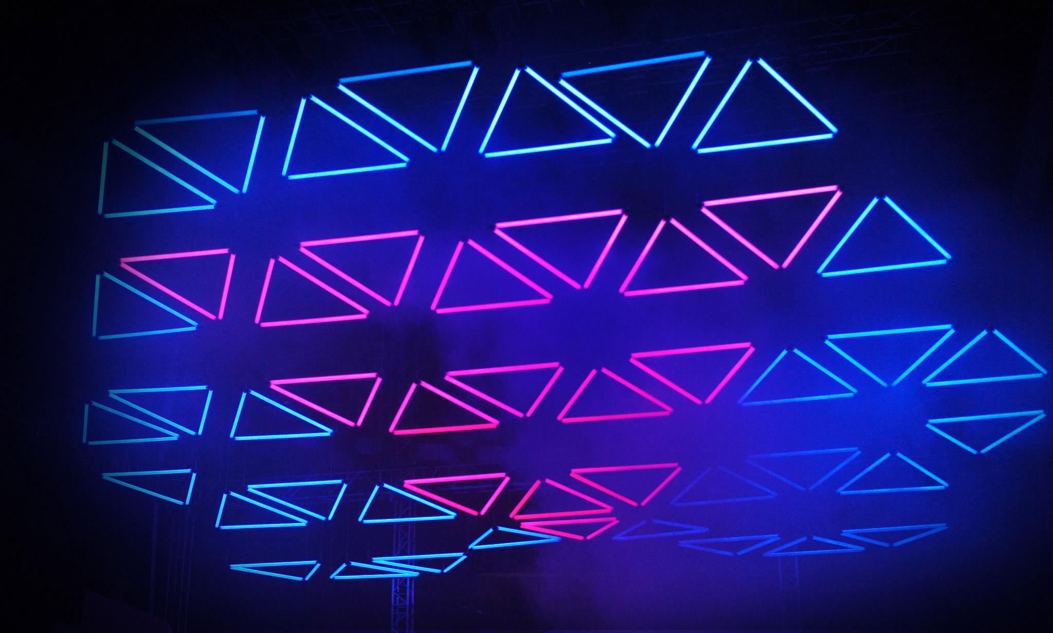 KINETIC LIGHTS - THE ORIGINAL DMX Power Winch System