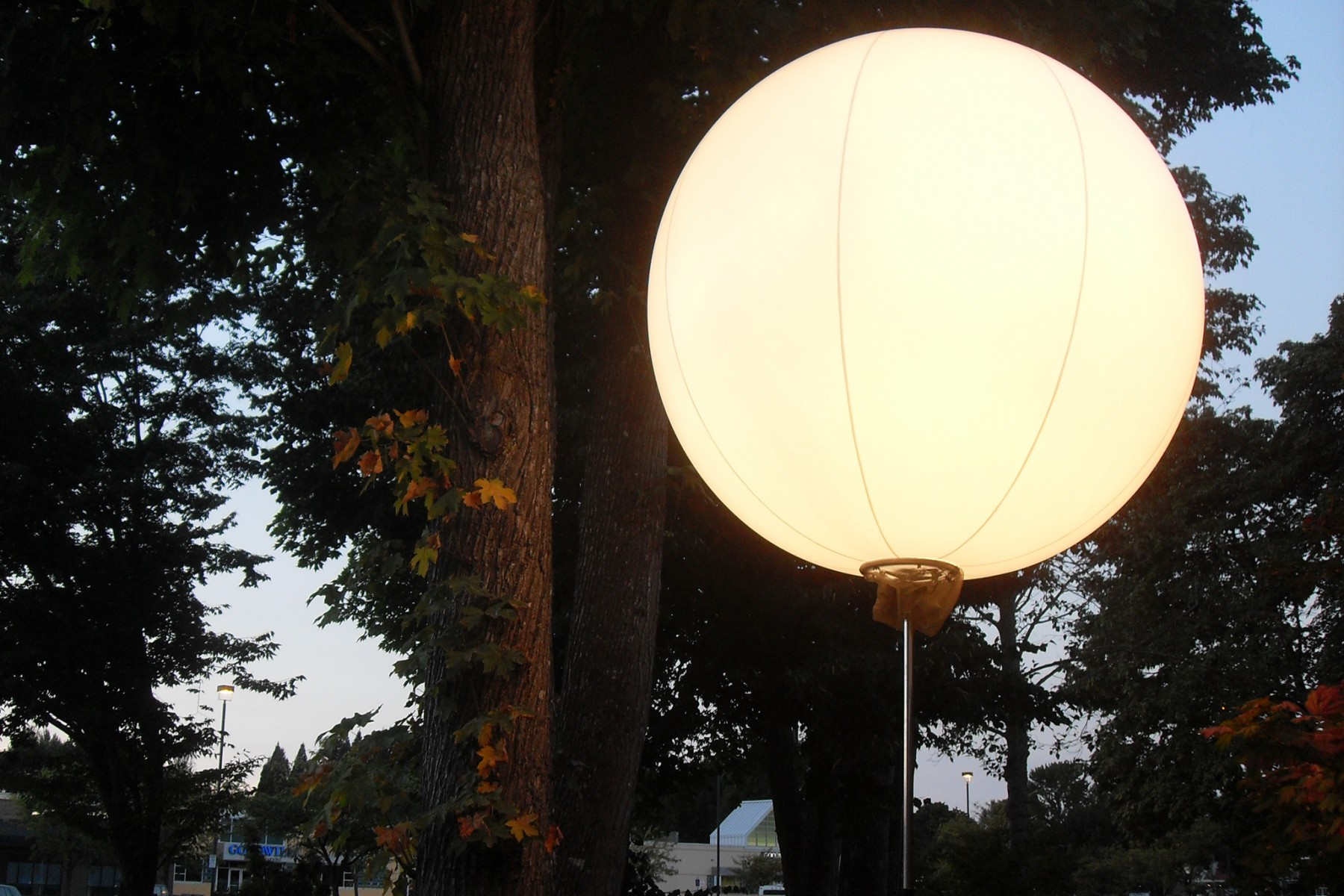 Lunix Balloons by Airstar ‹ KINETIC LIGHTS