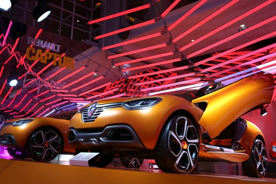 Kinetic Lights-Renault-Color Manifesto-009