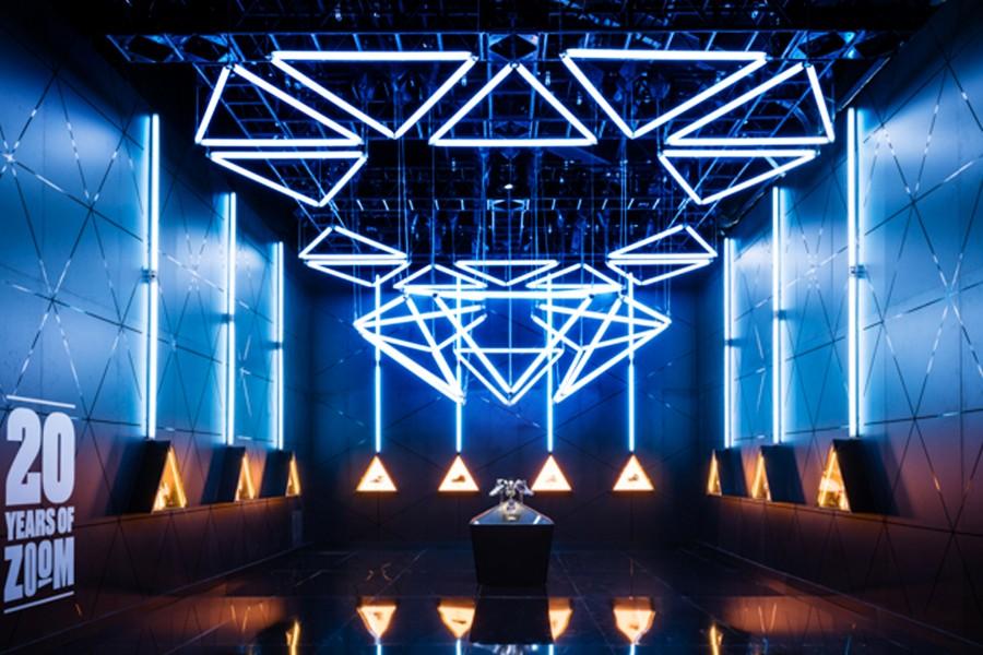 Kinetic Lights-Nike Zoom City-New York-000 Thumb