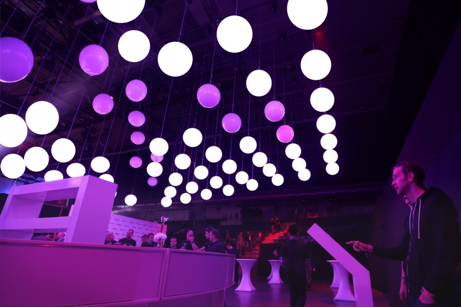 Kinetic-Lights-Constellation-Huawei-Berlin-05
