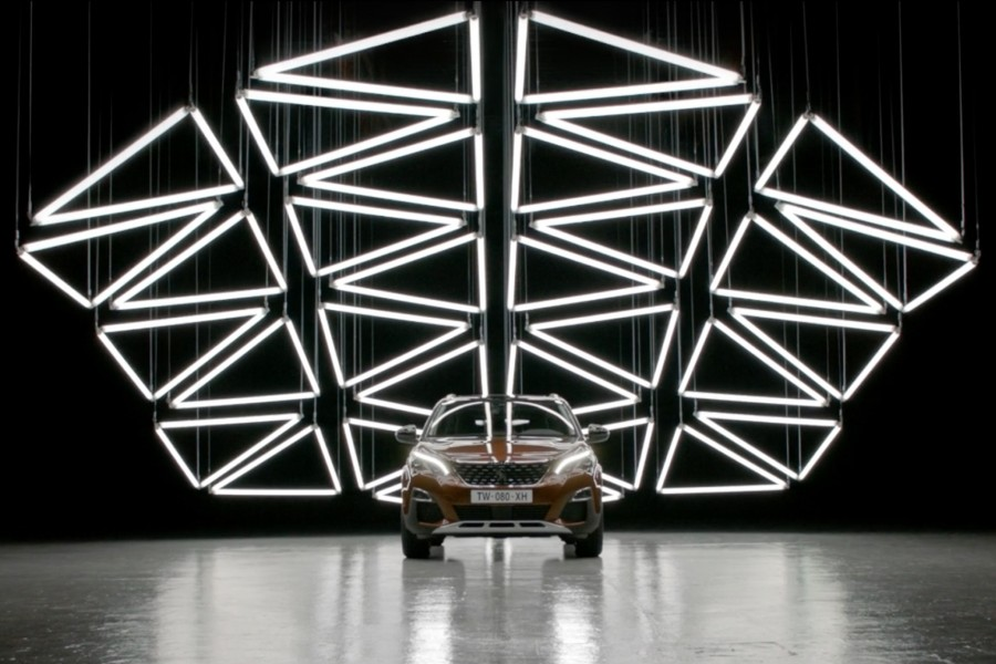 GRID-Peugeot 3008-Kinetic Lights-01