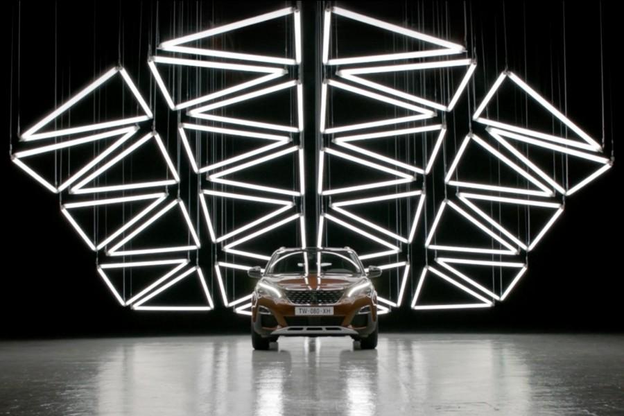 GRID-Peugeot 3008-Kinetic Lights-01