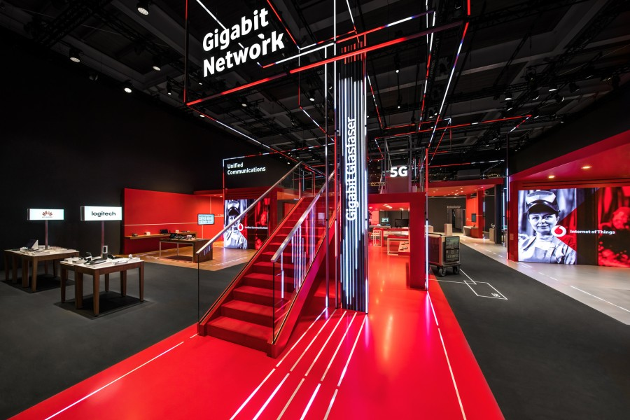 PIXEL NETWORK_Kinetic Lights_Vodafone_03